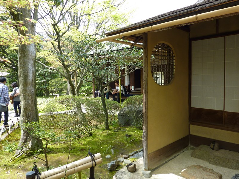 http://membres.multimania.fr/Diddu/Japon%20047%20%28Medium%29.jpg